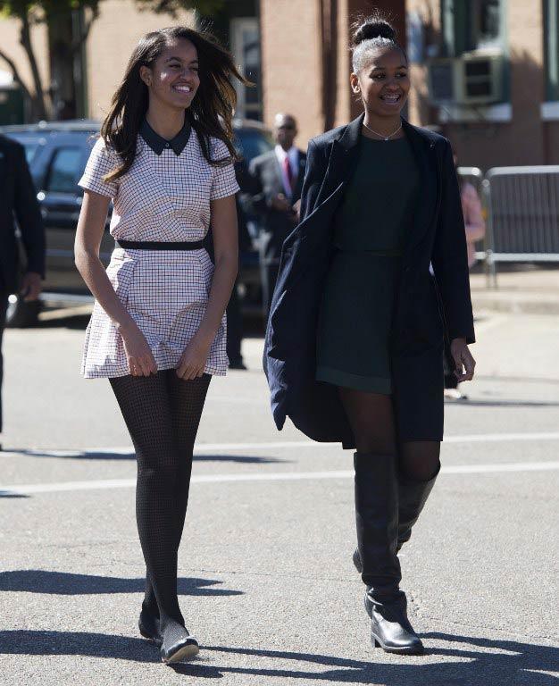 Malia (L) and Sasha Obama. (Pic: AFP)