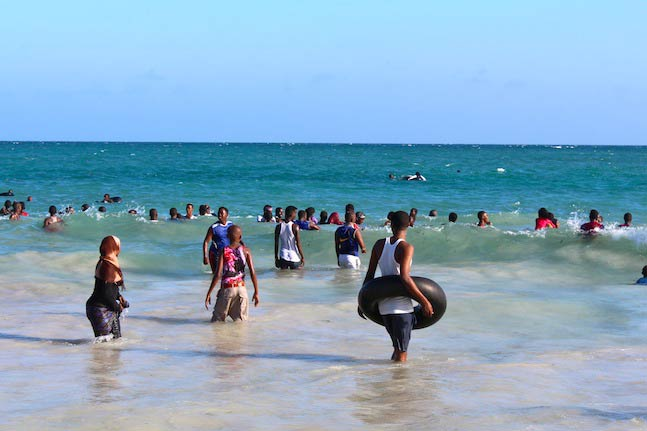 Liido Beach, where the 'cool' diasporan men go to mingle with the ladies. (Pic: Hamza Mohamed)
